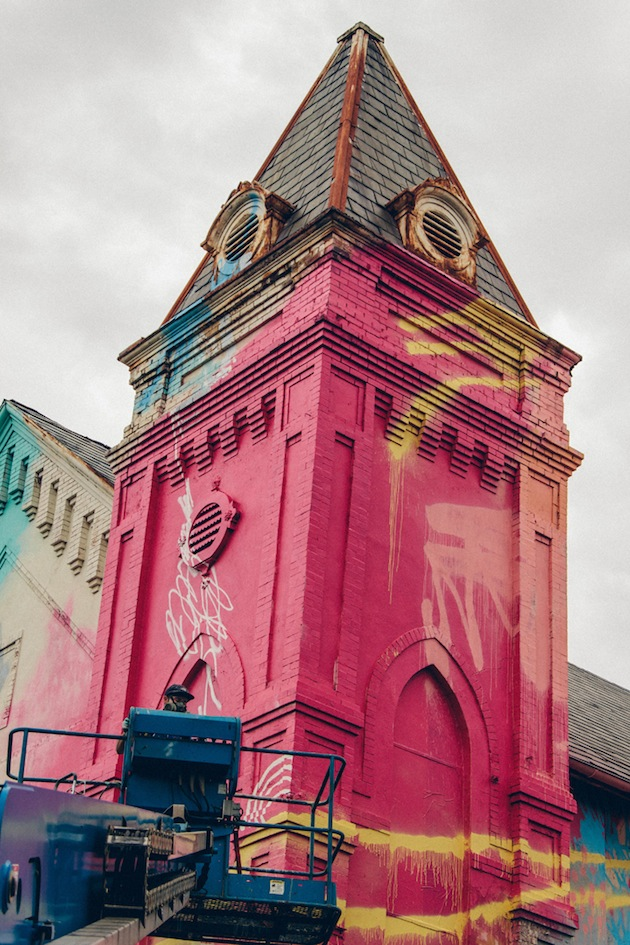 Washington-D.C.-Graffiti-Covered-Church-by-Hense-6
