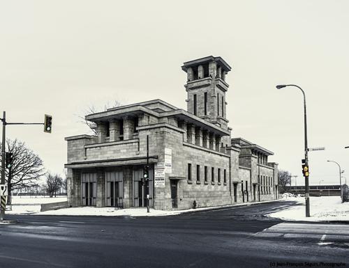 La Caserne Létourneux se démarque par son architecture originale et unique à Montréal.
