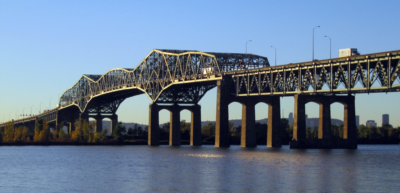 Pont_Champlain_-_2010-10